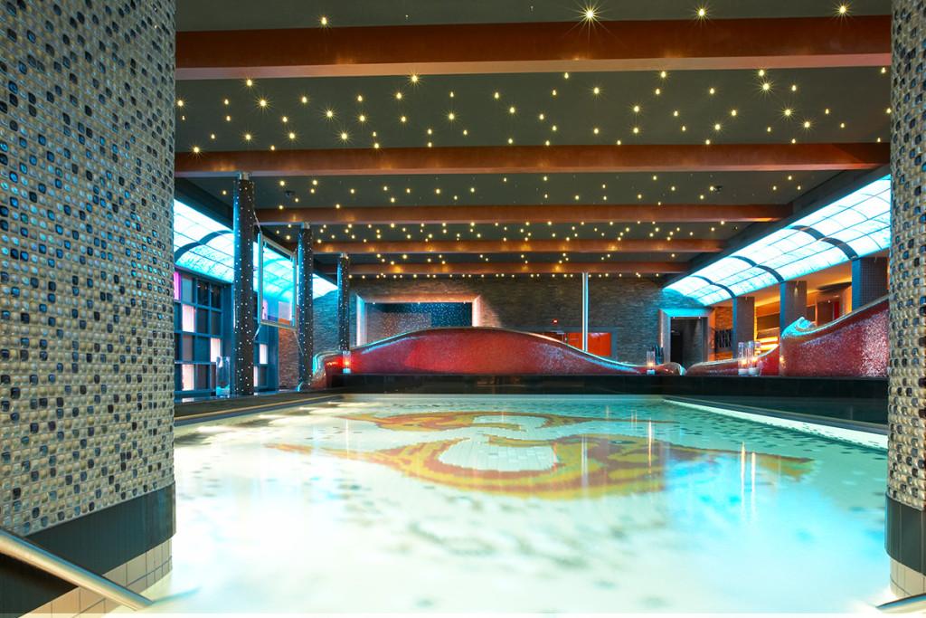 Sauna devarana korting informatie reviews for Zwembad s hertogenbosch