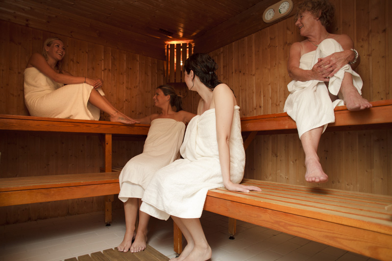 sauna makkum