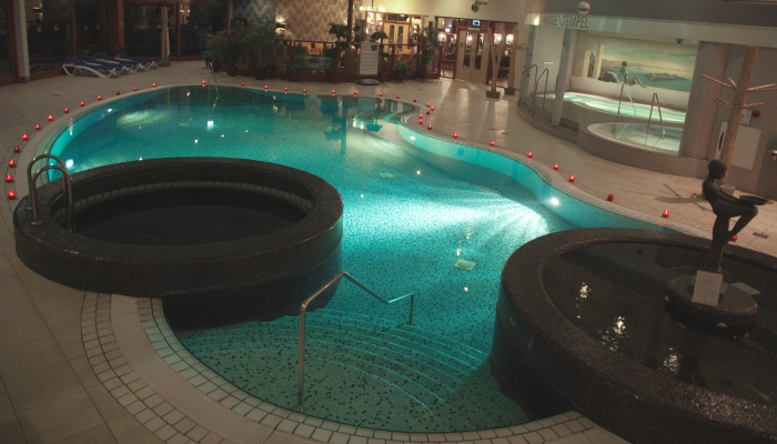 Thermen Holiday zwembad