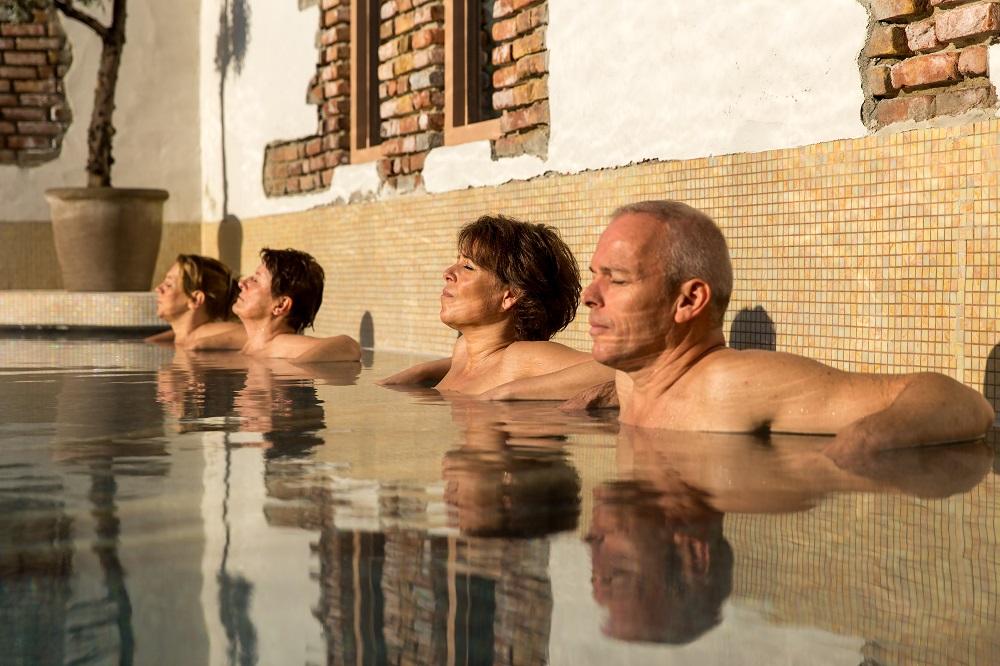 buitenzwembad bij de Veluwse Bron